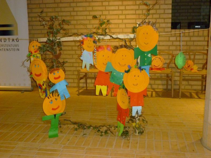 Wie wir helfen Über die OSKJ Kinderlobby Liechtenstein Kontakt Mein Recht auf Familie
